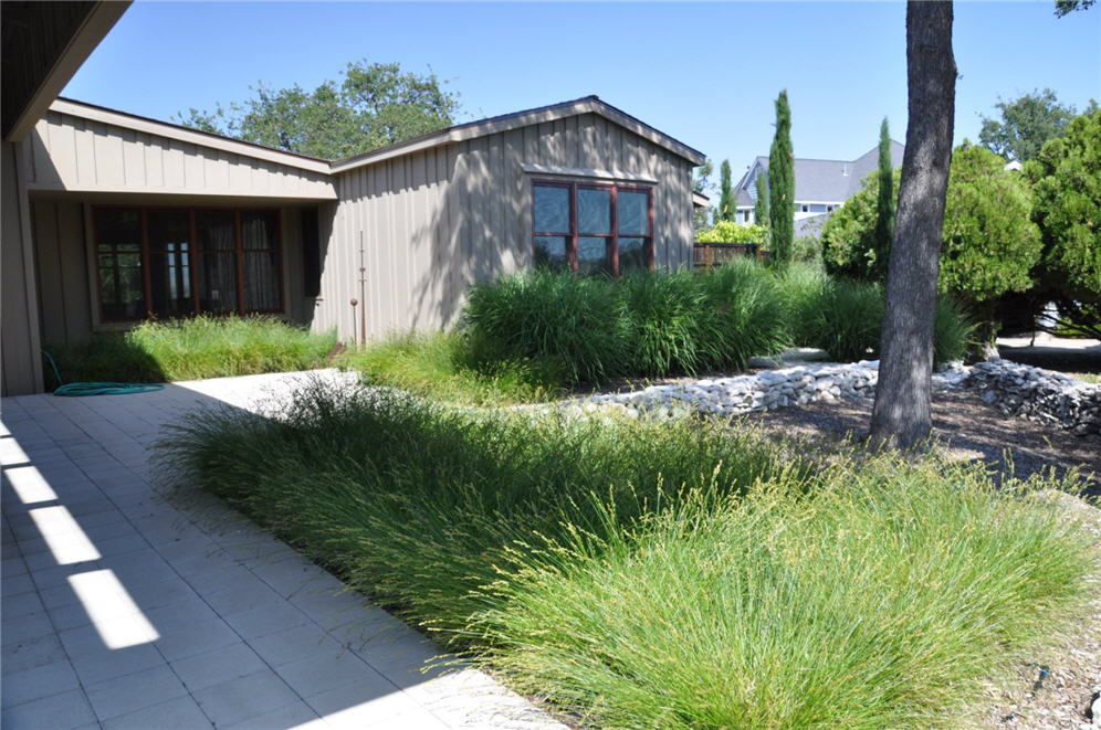 Landscaping front yard landscaping ideas with ornamental for Landscaping ideas using ornamental grasses