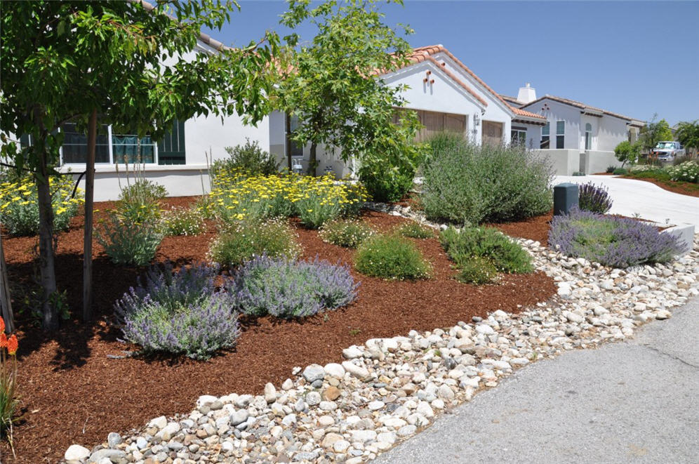 Rock and Flagstone Front Yard on Rocks For Backyard  id=24621